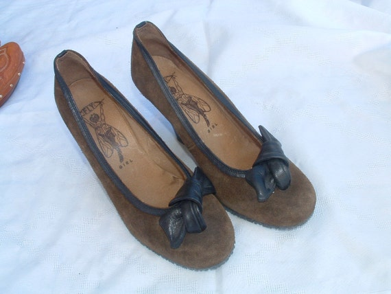 free shipping Fly girl shoes size 41 made in Portugal circa 1980's