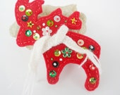 Christmas deer Red  Felt Brooch - Christmas Gift - Embroidered Red Felt Brooch - Red Felt - Free shipping