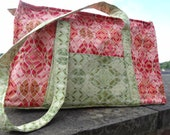 Large red green quilted tote bag, One of a kind, red quilted baby bag, unique diaper bag, shoulder bag, quilted bag, zip up bag