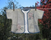 Vintage Baby Jacket, Embroidered Baby Kimono, , Baby Layette, Baby Boy Coat Vintge Baby Decor Shabby Chic Decor LB1