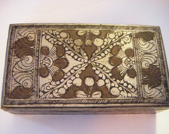 Antique Deco Style Silver Box With Gorgeous Etched Design On Five Sides Must Look to Appreciate