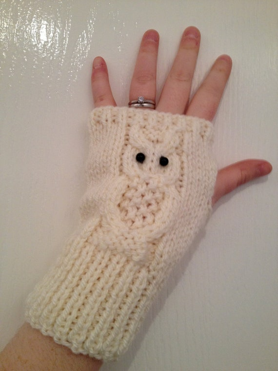 Hobo Gloves Knitting Pattern : Snowy Owl Chunky Hand Knitted Fingerless Gloves