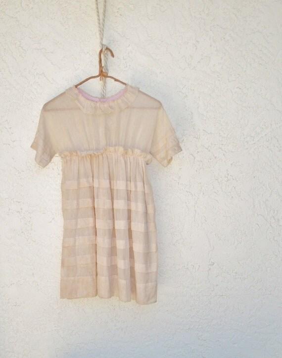 Girl's Dress Vintage / Antique Beige Voile Dress / Edwardian Girl's Dress / 1900s Girl's Dress / Flower Girl Dress