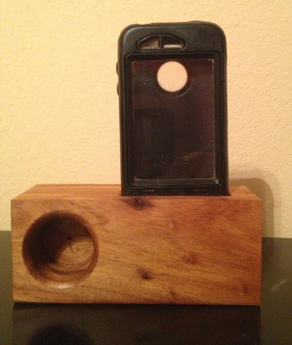 Elm Wood iPhone Music Amplifing Stand