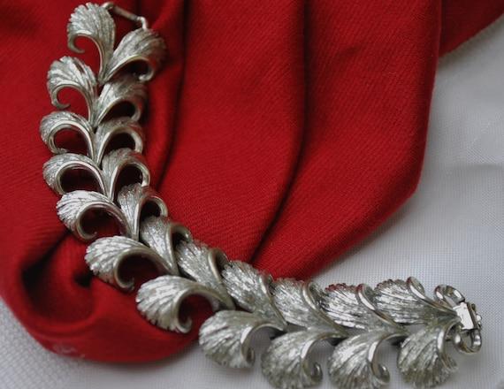 Vintage Lisner silvertone link bracelet
