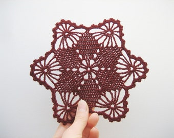 READY TO SHIP. Crochet bordo bordeaux doily, set of 5. Crochet claret coasters. Bordo crochet set. Vintage chrochet. Christmas gift or decor