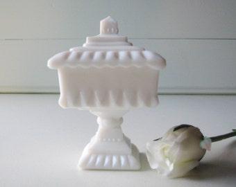Wedding Box, Milk Glass Wedding Box, Westmoreland, Candy Dish