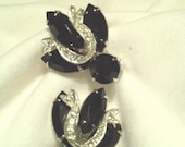 Black and White Weiss Clip On Earrings