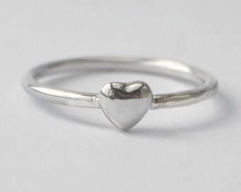Tiny Heart stacking Ring , Sweet, Romantic petit 925 sterling silver Heart ring
