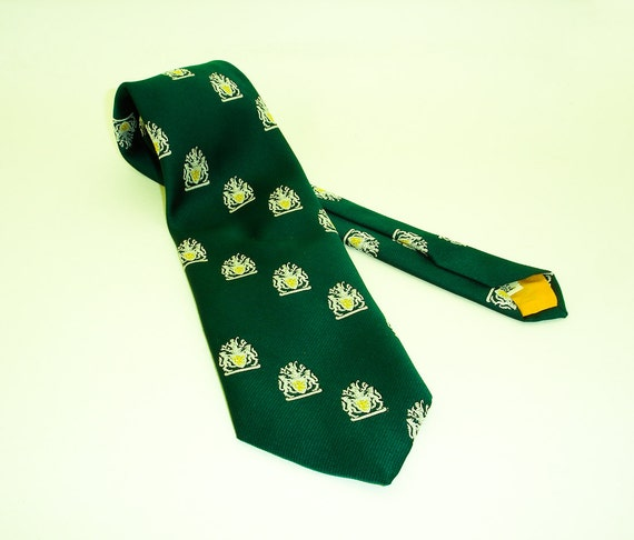 1970s Coat of Arms Tie Wide Green Mens Vintage Polyester Necktie with Yellow & White Irish Lion Coat of Arms Designs