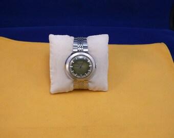 "Ussr (Soviet Union)  ""RAKETA"" (rocket)  wrist watch 1960  very rare green dial PERFECT"