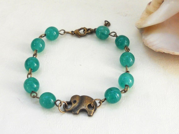 Green agate bracelet with elephant
