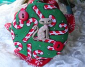 Christmas Gray Kitty Candy Cane Red Green and White Handmade Cat Food Can Cover Lid - Small 3 ounce