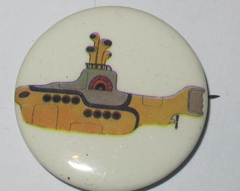 "Vintage 1""  Collectible button : the beatles yellow submarine"
