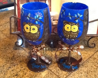 Set of two Mr and Mrs Night Owl 12oz wine glasses