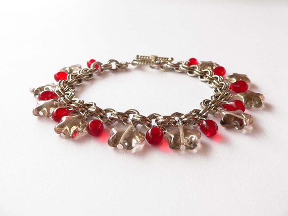 Red and grey bracelet - Metal chain with red and grey glass pendants.