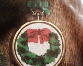 Sale Vintage Christmas Wreath Ornament Embroidery Kit  New