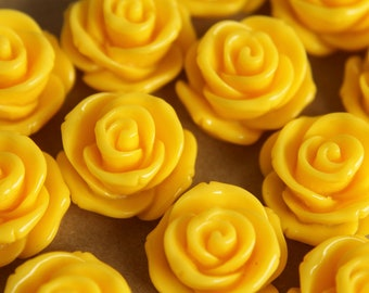 CLOSEOUT - 10 pc. Lemon Meringue Jumbo Rose Cabochons 23mm   RES-161