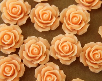 20 pc. Pale Peach Crisp Petal Rose Cabochons 18mm | RES-059
