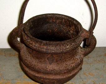 Vintage Kettle, Primitive, Cast Iron, Pot, Old Kettle, Rusty Pot, Country Decor