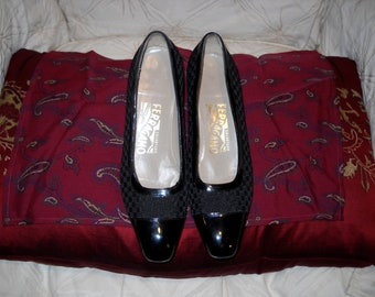 Ferragamo Shoes Black Woven Fabric and Patent Leather size 7