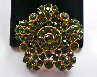 EMERALD GREEN RHINESTONE  Large Vintage Golden Floral Brooch Pin  circa 1960