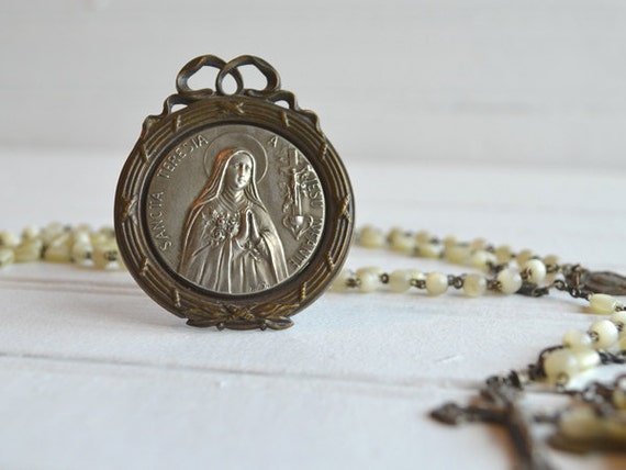 Antique Saint Teresia Therese of the Child Jesus Religious Framed Medal French