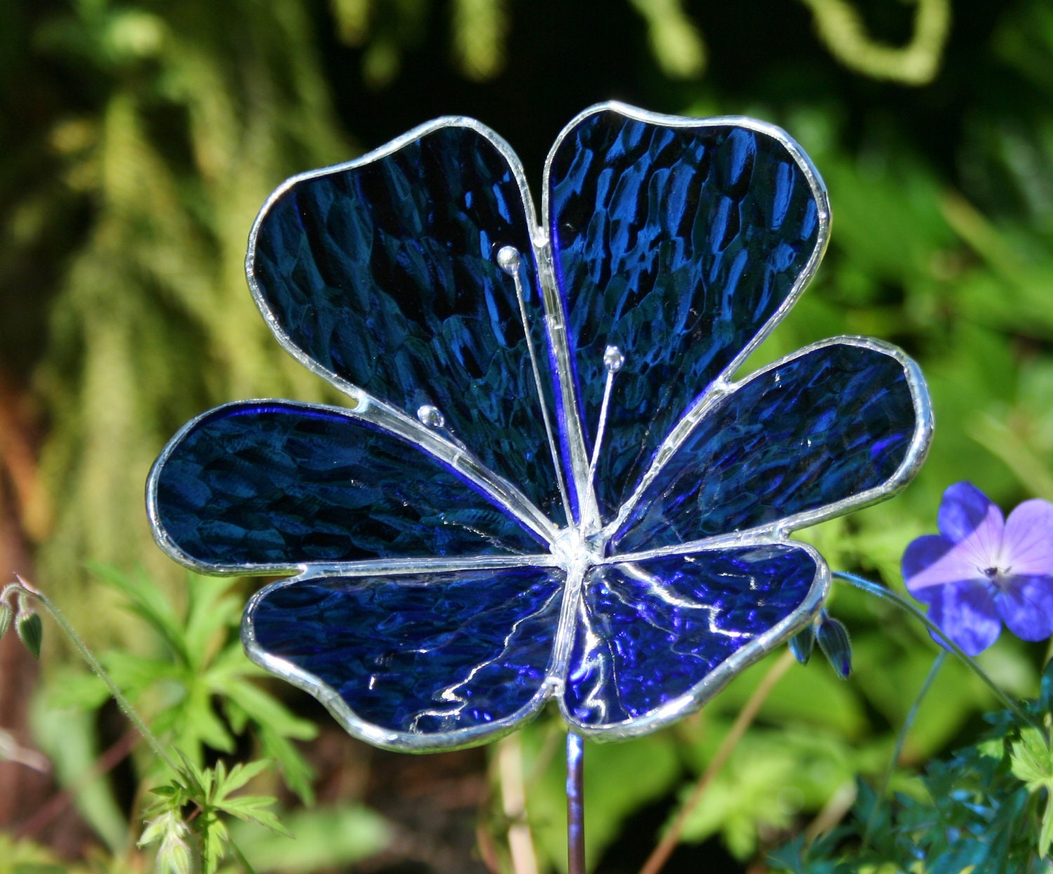 Stained glass royal blue flower garden ornament for Flower garden ornaments