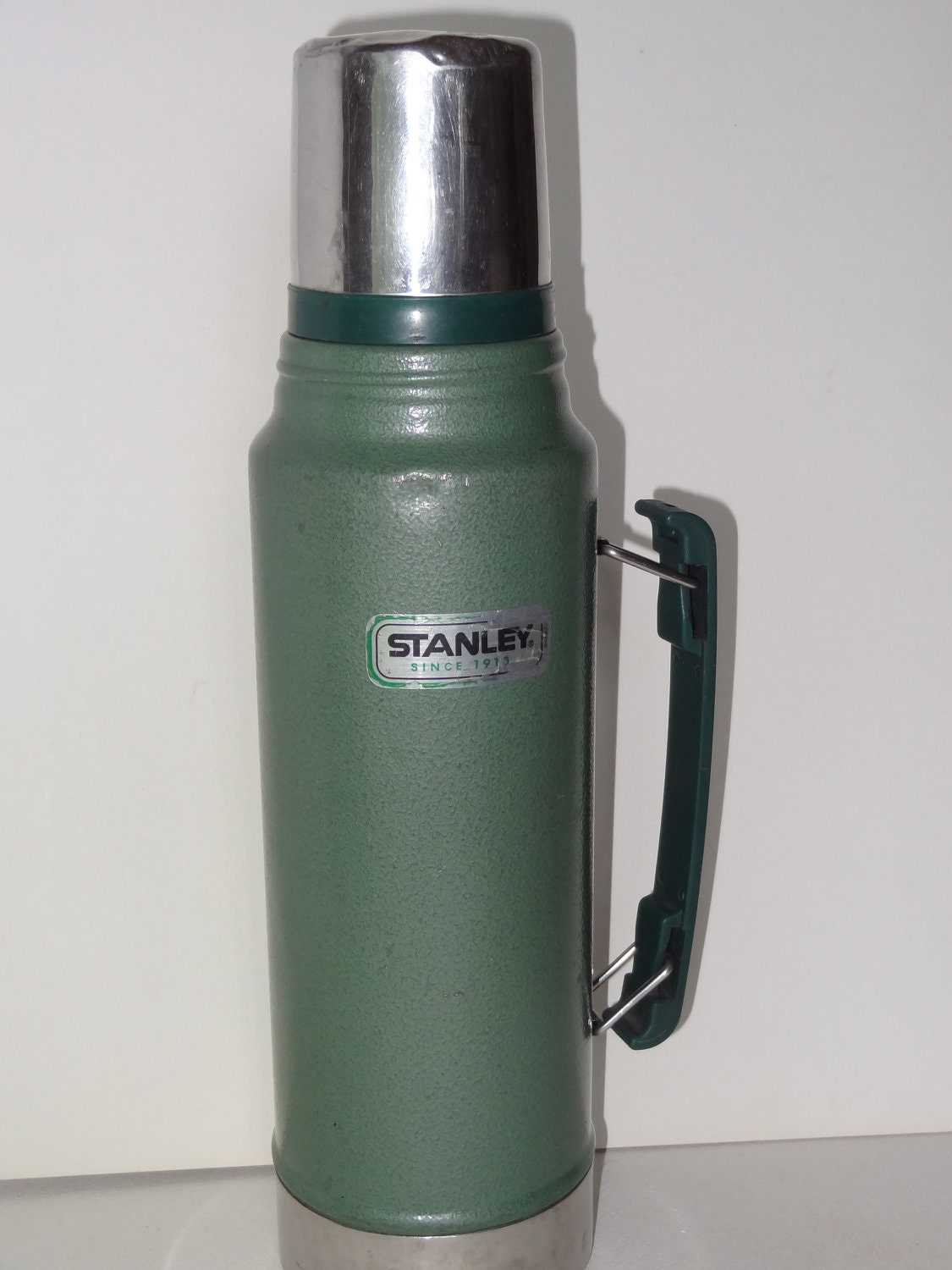 vintage green aladdin stanley thermos 1 1 quart vacuum. Black Bedroom Furniture Sets. Home Design Ideas