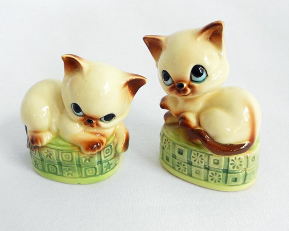 Kitty Cat Salt & Pepper Shakers