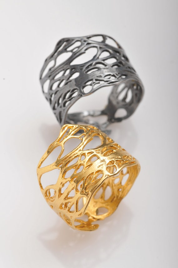 Gold luri  ring from the sabrawear collection.