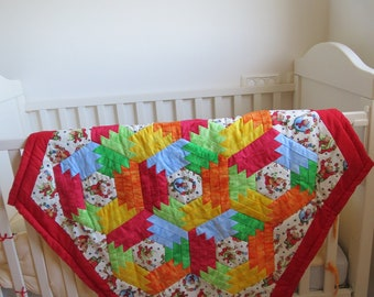 Baby quilt. Free shipping. Christmas Pineapple Quilt. A gift for Christmas.