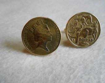 Australian Queen Elizabeth II One Dollar Gold Toned Coin Cufflink