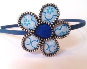 Vintage dark blue zipper flower hairband. Felt and fabric hair accessorie. Sweet and boho gift.