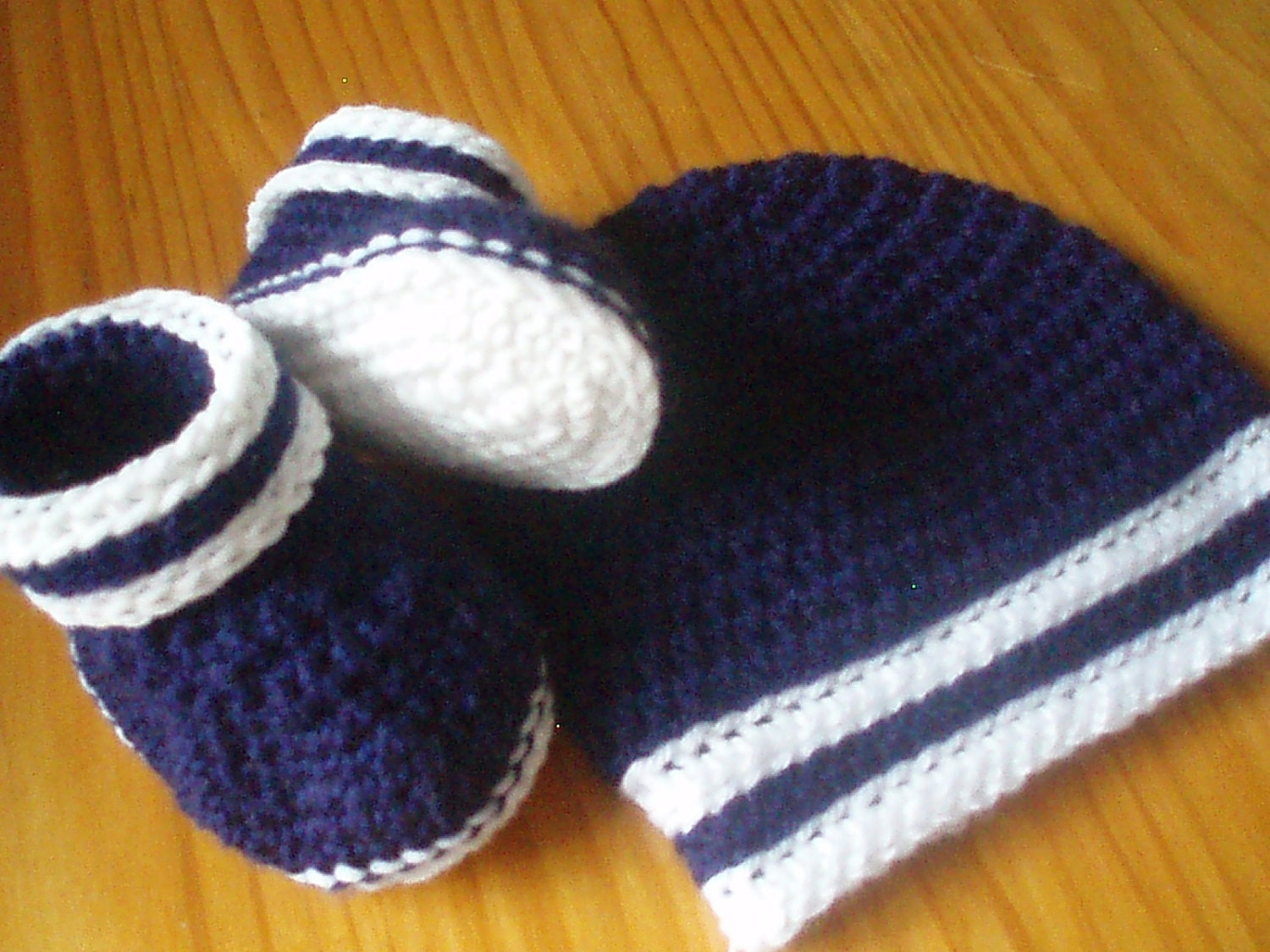 Baby Booties and Hat Crochet Pattern with straight stripe trim