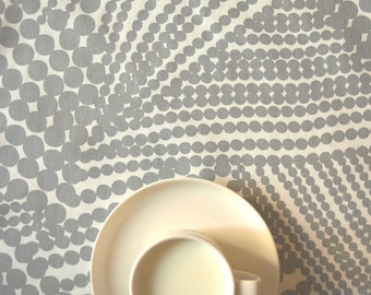 """Table runner white with gray abstract circles 13"""" x 54"""" or made to order your size, also napkins available, with GIFT"""