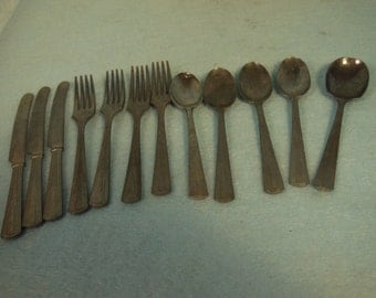 Vintage-1940s-1950s Childs-12 Piece Set Of Silverware-Made In USA-Very Rare