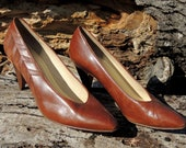 25% OFF // Size 7.5 // Vintage Leather Heel // Evan Picone // Made in Italy