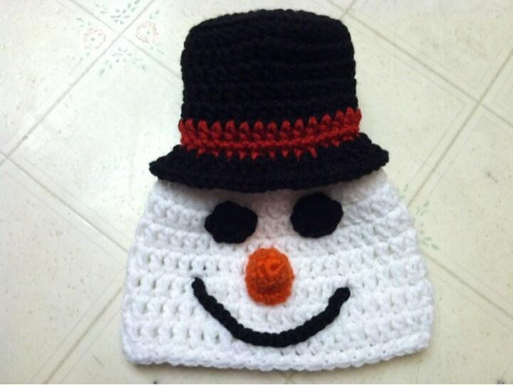 Crochet snowman hat zoom