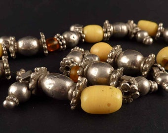 Old yemeni bedouin ethnic necklace with yellow and orange glass beads and silver beads - bedouin necklace - bedouin silver, ethnic