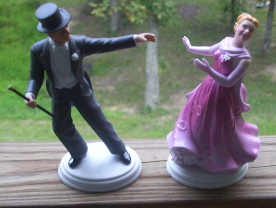 "1984 AVON ""Images of Hollywood"" Fred Astaire & Ginger Rogers figurines"