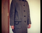 Vintage Women's Houndstooth Car Coat w/ Red Fleece Interior Lining and Leather Piping - Women's M/L
