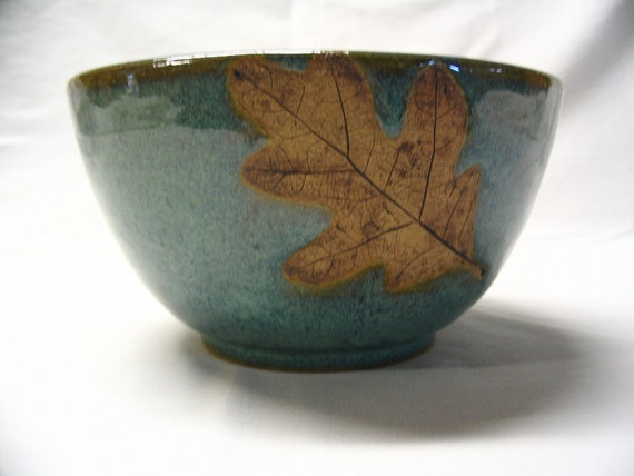 Wheel Thrown Stoneware Pottery Serving Mixing Bowl with Oak Leaf Imprint
