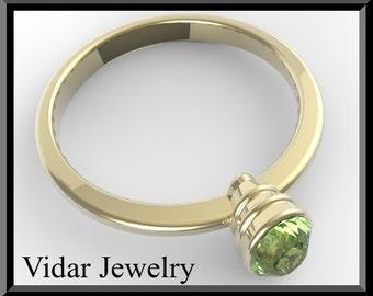 Engamenet Ring,Peridot engagement ring,Green engagement Ring,Solitaire Engagement Ring,Unique Engagement Ring, Yellow gold,Custom,Oval Ring
