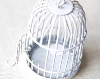 24 pcs Of metal bird cage pendant 28x28x35mm-MP1009-white