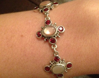 Lovely Sterling Silver and Mother of Pearl Flower Bracelet