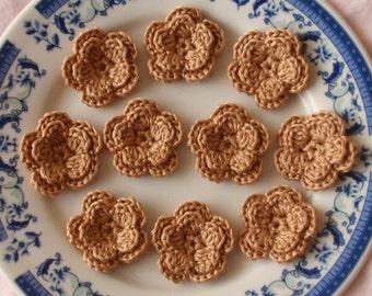 10 Crochet Flowers In Tan YH-030-028