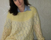 Light yellow sweater M/L