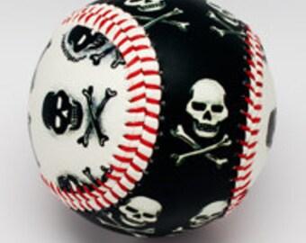 Pirate Skull Baseball, Pirates, Skulls, Black and White, Baseball Skulls, Baseball Pirates (IB05)