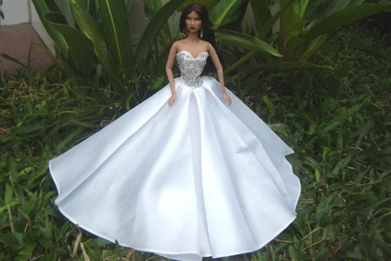 Evening white dress style for Fashion Barbie Royalty